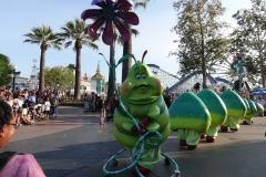 Die Raupe aus Bugs während der Parade