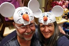 Reiner und Monica als Olaf aus Frozen