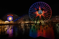 Der Disney California Adventure Park by night