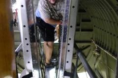 B-17-Verflucht Eng über dem Bombenschacht im Catwalk