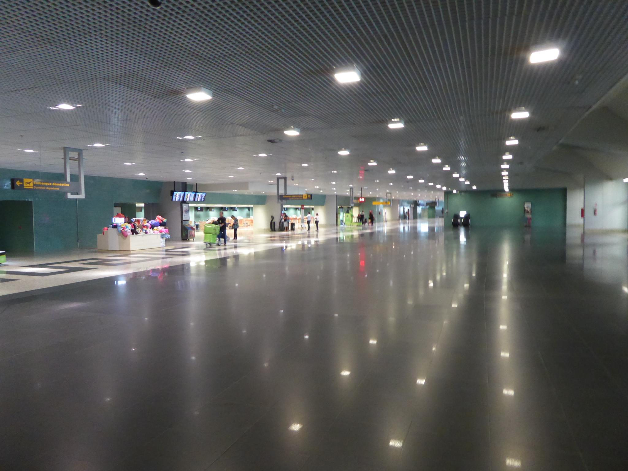 Der grosse leere Flughafen in Manaus
