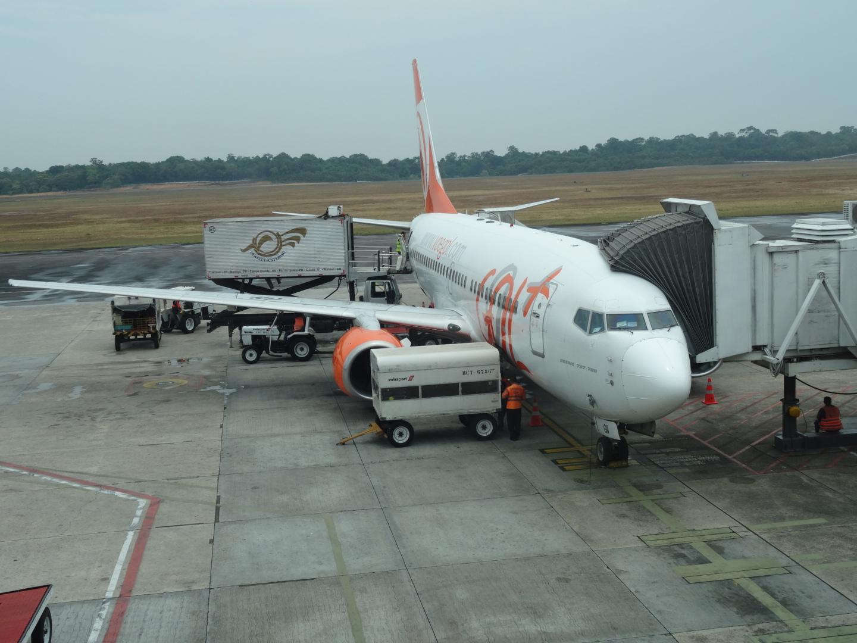 Unser GOL Flieger - wer genau hinsieht, entdeckt unsere Koffer im Gepäckwagen