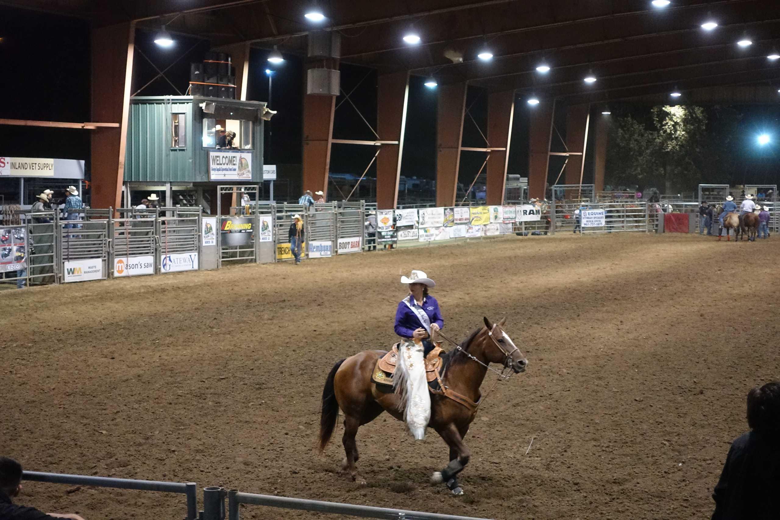 Cowgirl während der Pause