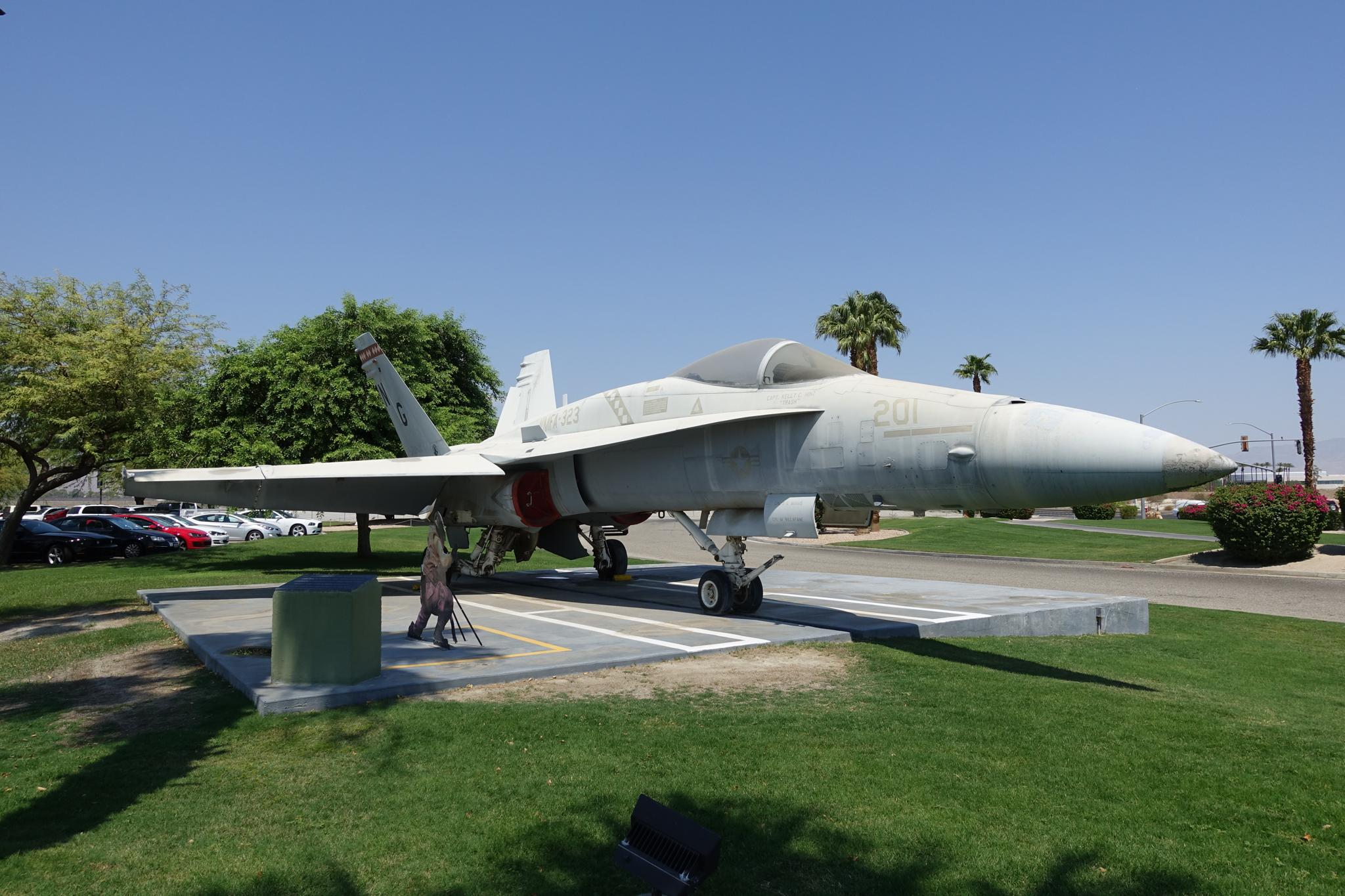 FA-18_HORNET
